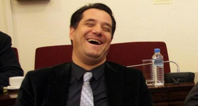 Ο Άδωνις τρολάρει τον Μάρδα στο Twitter για τους πρόσφυγες-επενδυτές
