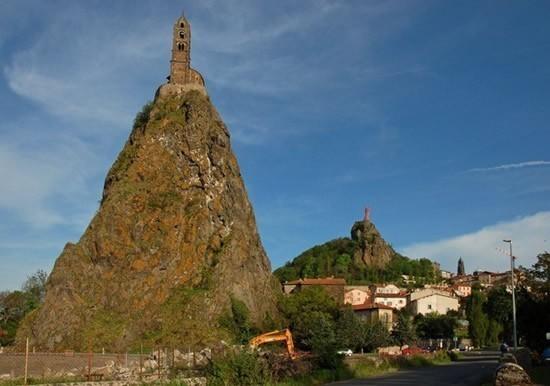 volcano_church_6