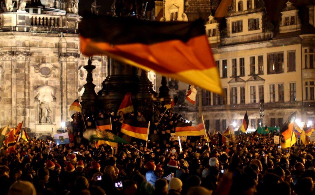 Ακροδεξιές διαδηλώσεις κατά των μεταναστών μετά τις σεξουαλικές παρενοχλήσεις της Πρωτοχρονιάς