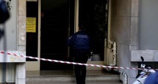 Έγκλημα στην Καλλιθέα: Περιμένουν να ξεπαγώσει το πτώμα για να γίνει νεκροψία