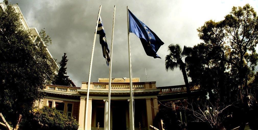 Πόλεμος στον ΣΥΡΙΖΑ για την «συγγνώμη» του Αθανασίου στον Σημίτη για το Ασφαλιστικό