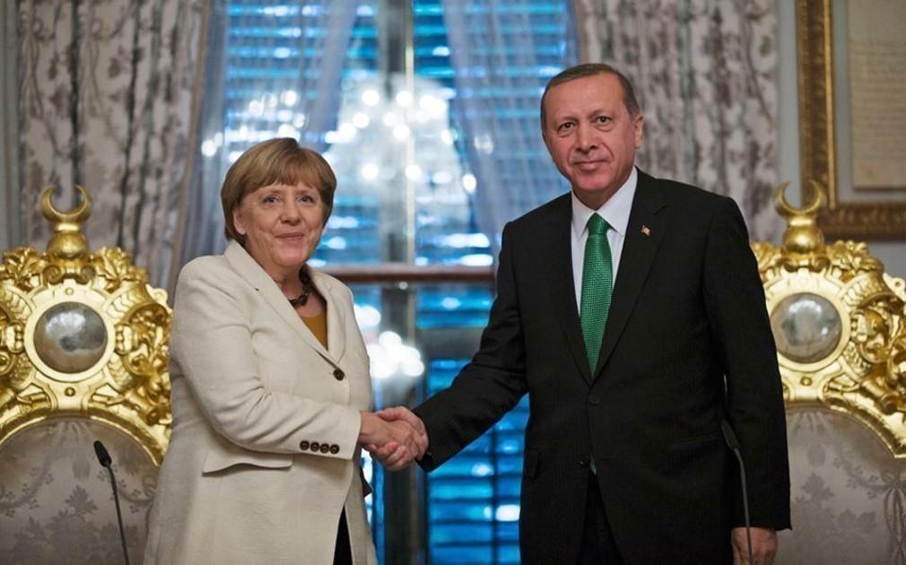 Το Βερολίνο αυξάνει κατά 40% τη βοήθεια που χορηγεί στην Τουρκία για τους πρόσφυγες