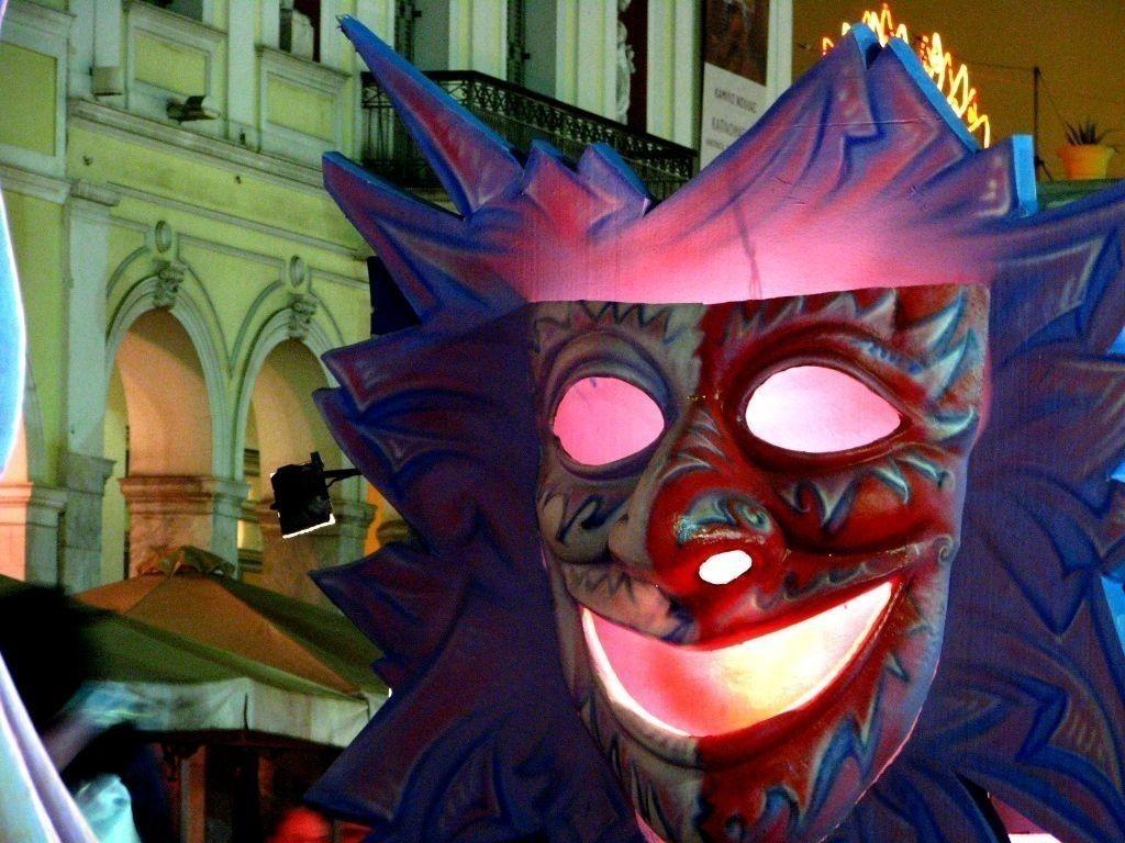 Ξεκινάει σήμερα το πατρινό καρναβάλι – Σε καρναβαλικούς ρυθμούς η αχαϊκή πρωτεύουσα