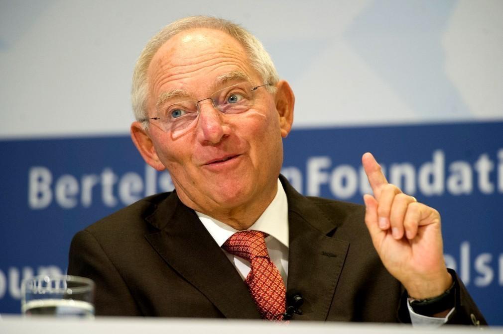 Der Spiegel: Το Βερολίνο θέλει «αναδιάρθρωση light» του ελληνικού χρέους