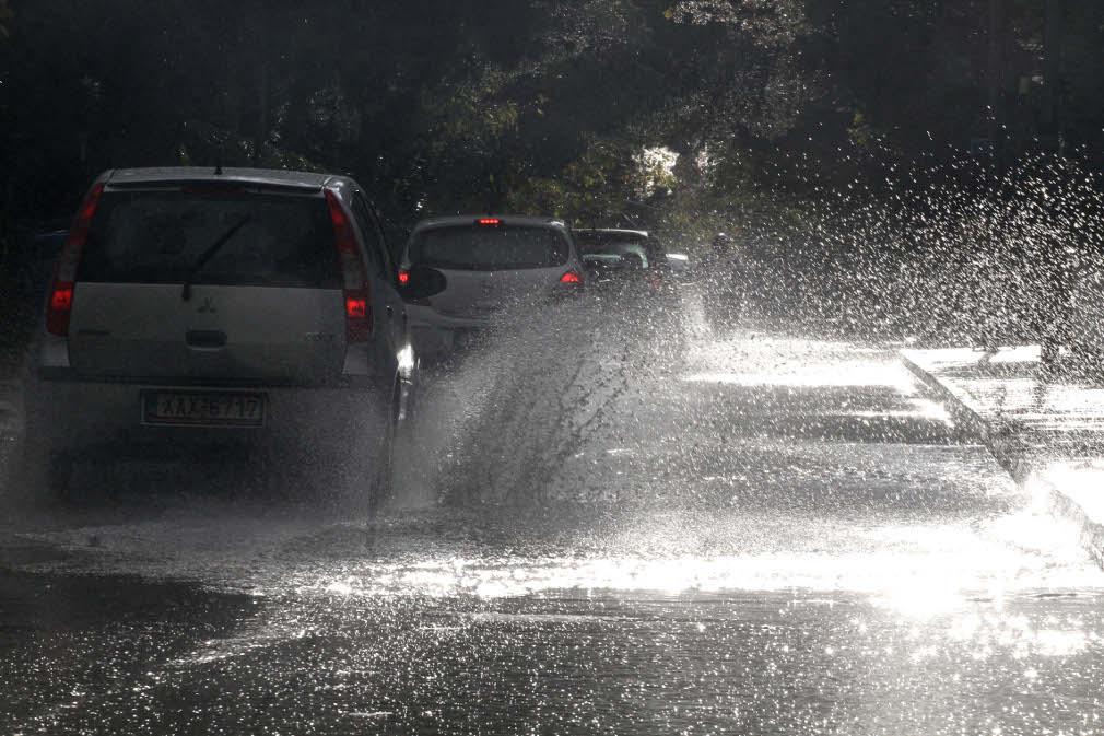 Πρόγνωση καιρού: Συννεφιά και πτώση της θερμοκρασίας όλη την Μεγάλη Εβδομάδα