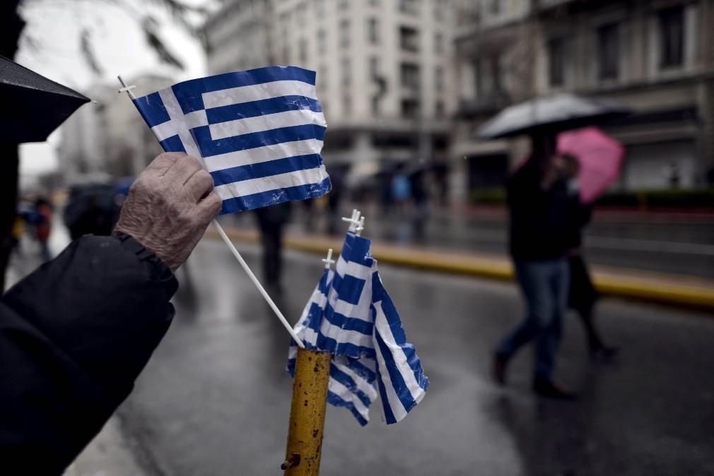 Πάνω από τους μισούς Έλληνες χρωστούν στην εφορία!