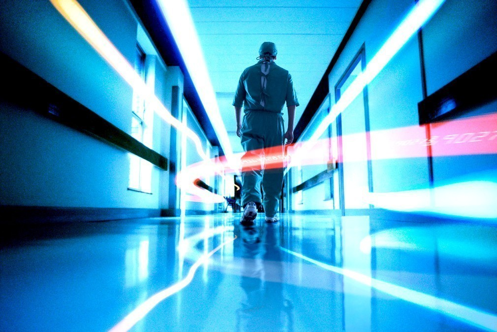 Ο βαρύς απολογισμός της γρίπης: 44 νεκροί – 7 στους 100 ασθενείς είναι παιδιά