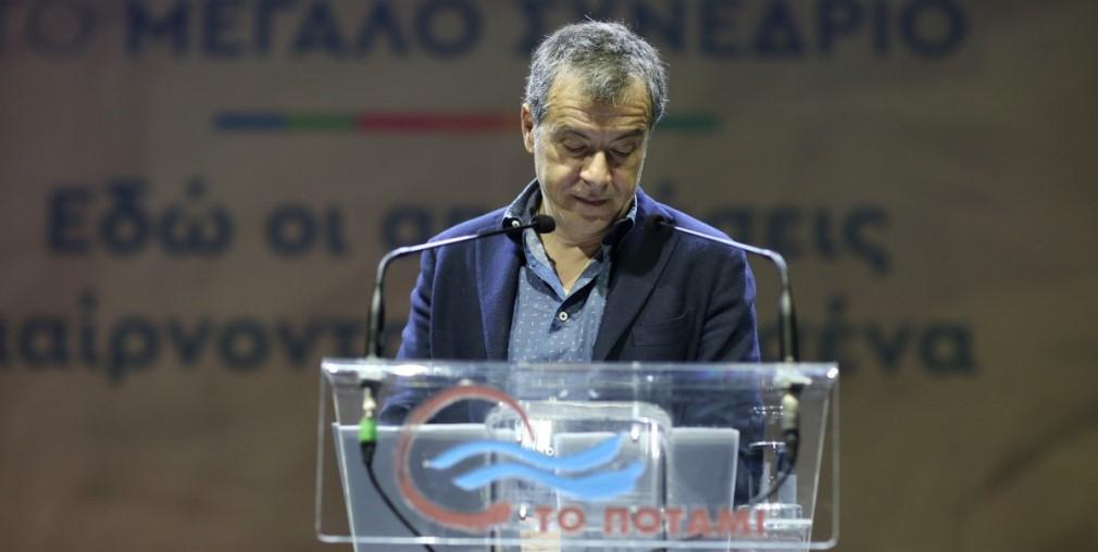 Θεοδωράκης: Τα έγγραφα που δείχνουν ότι νοικιάστηκαν κάμπινγκ σε υπερδιπλάσια τιμή για τους πρόσφυγες