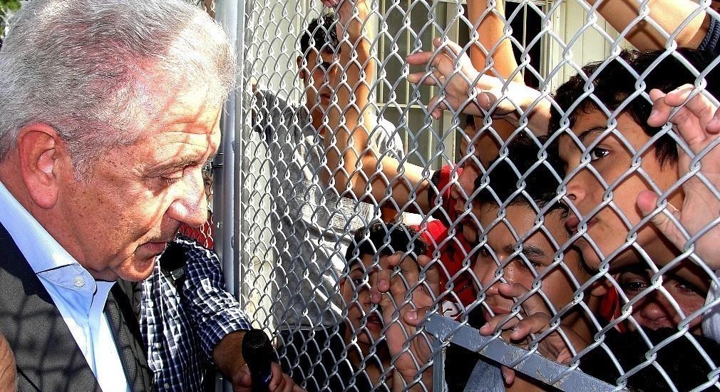 Αβραμόπουλος: Κίνδυνος ανθρωπιστικής καταστροφής στην Ελλάδα από το προσφυγικό