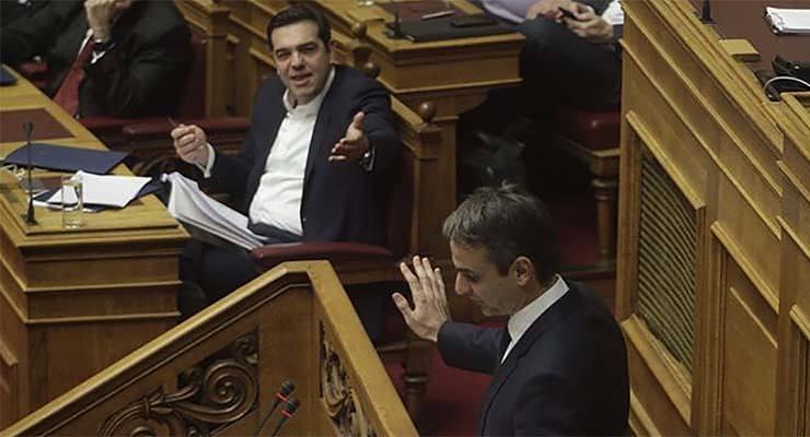 Σκληρή μάχη στην Βουλή - Μητσοτάκης σε Τσίπρα: Η διαφορά βαριοπούλας-καλάσνικοφ είναι μικρή