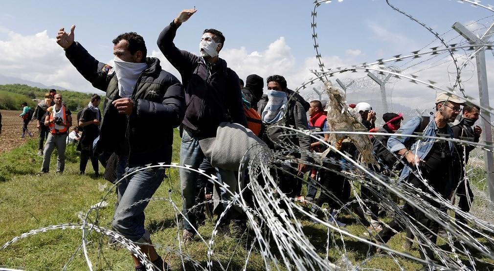 Εκρηκτικό κοκτέιλ στην Ειδομένη: Οικογενειάρχες πρόσφυγες φεύγουν, οι αλληλέγγυοι αλωνίζουν