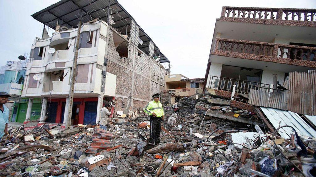 262 νεκροί και 2.500 τραυματίες, ο απολογισμός του σεισμού 7,8 Ρίχτερ στον Ισημερινό