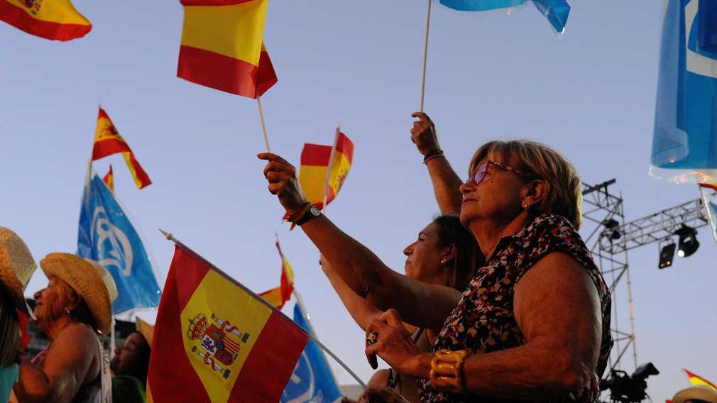 Οι Podoemos «πάλιωσαν»: Τα σενάρια διακυβέρνησης της Ισπανίας μετά την έκπληξη των Σοσιαλιστών