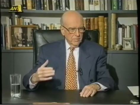 Αποτέλεσμα εικόνας για Συλλεκτικό βίντεο από το 1993! O Ανδρέας απαντά για το «Τσοβόλα δωσ' τα όλα»
