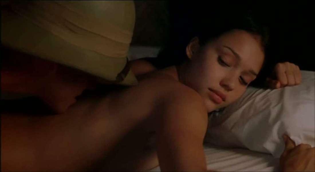 jessica-alba-naked-in-movie