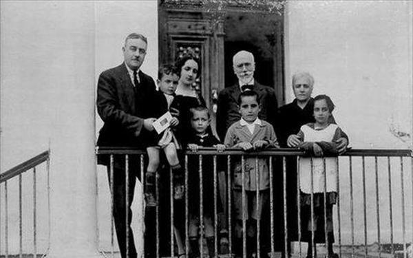 H σπάνια φωτογραφία με τον Ελευθέριο Βενιζέλο που είχε αναρτήσει ο Μητσοτάκης στο facebook πριν 4 χρόνια (ΦΩΤΟ) - TheCaller.Gr