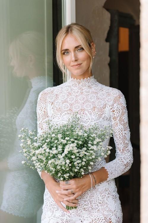 99698e763c Δείτε φωτογραφίες το νυφικό και τα εντυπωσιακά φορέματα υψηλής ραπτικής που  φόρεσε η Kιάρα Φεράνι στον γάμο της