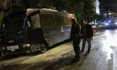 Σφοδρές αντιδράσεις για τη θρασύτατη επίθεση στο Α.Τ. Ομονοίας- «Ήθελαν να μας κάψουν», λένε οι αστυνομικοί