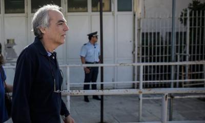 Βόλτες στο στολισμένο κέντρο της Αθήνας για τον Δημήτρη Κουφοντίνα - Δείτε φωτογραφία