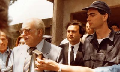 Νίκος Παπανδρέου: Η αδημοσίευτη φωτογραφία του μαζί με τον Ανδρέα, από την στρατιωτική του θητεία το 1986