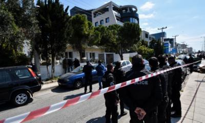 Ελληνικό: Νεκροί ο αντιπτέραρχος και η σύζυγός του- Την πυροβόλησε και αυτοκτόνησε μετά από καυγά