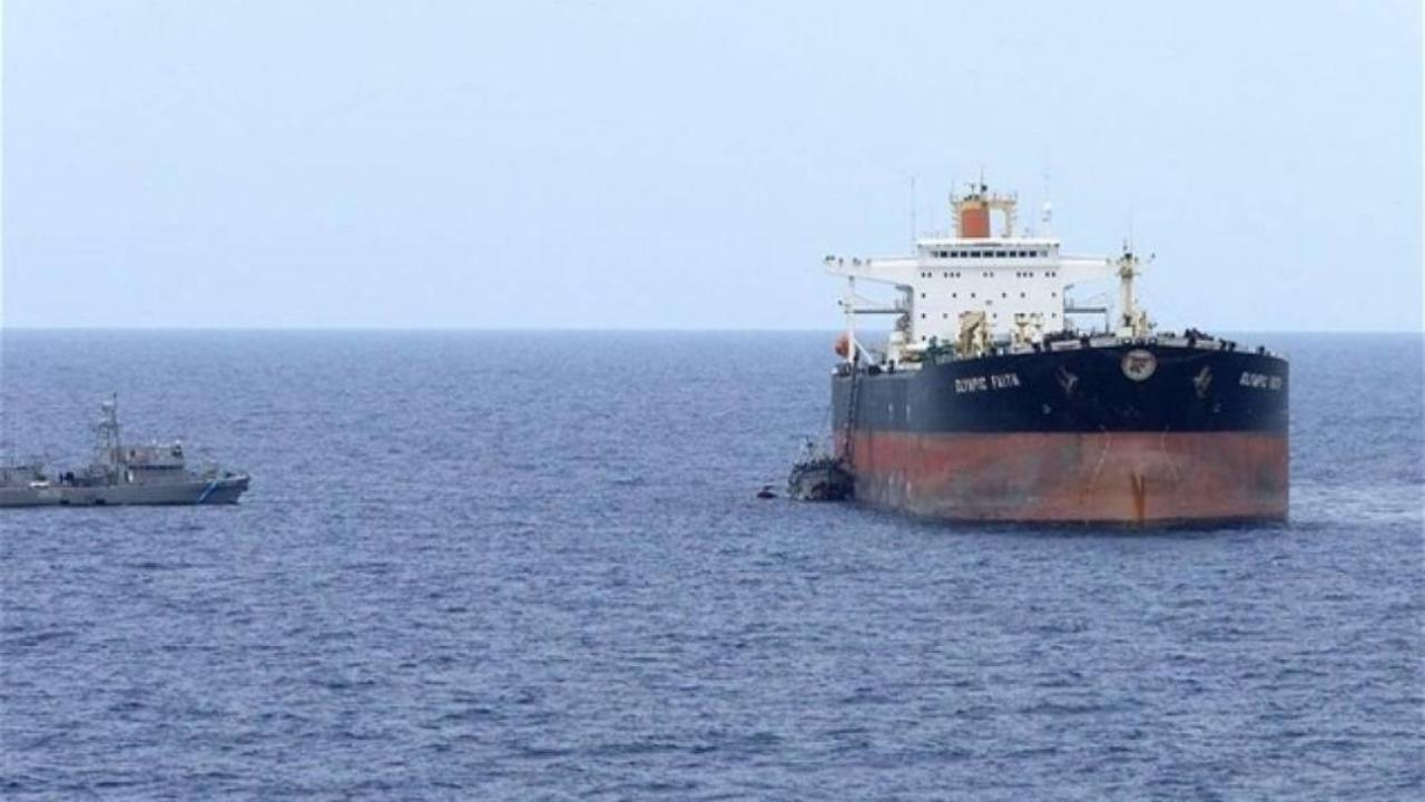 Αποτέλεσμα εικόνας για Στο Λαύριο το δεξαμενόπλοιο που έπλεε ακυβέρνητο νότια της Μακρονήσου