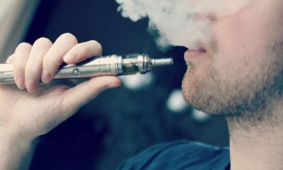 Συριγμό στους πνεύμονες προκαλεί το ηλεκτρονικό τσιγάρο