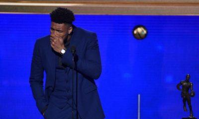 Κορυφαίος του ΝΒΑ ο Γιάννης Αντετοκούνμπο: Αναδείχθηκε MVP – Τα συγκινητικά  λόγια του για την Ελλάδα και τον πατέρα του (ΒΙΝΤΕΟ)