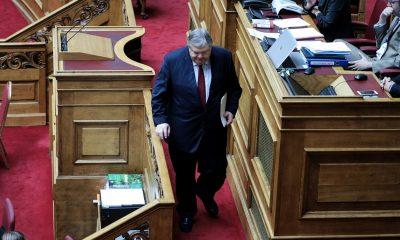 Συγκινημένος ο Βενιζέλος στην τελευταία του ομιλία στη Βουλή - Το χειροκρότημα των βουλευτών του ΣΥΡΙΖΑ